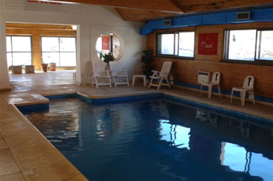 Apart Gemini heated pool